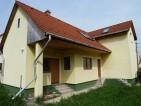 Békásmegyer-Ófaluban újszerű, 5 szobás családi ház eladó! - 21913