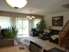 Szentendre Izbég városrészében, újszerű, 4 szobás sorházi lakás saját kerttel eladó! - 26099