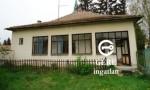 Eladó felújítandó családi ház Vámosmikola központjában.  3.4 M Ft - 28403