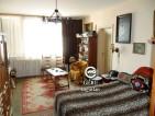 Eladó társasházi lakás Vácon. 7.9 M Ft. - 32347
