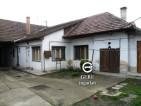 Eladó családi ház Vácon. 12.9 M Ft. - 32528