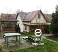Eladó családi ház Vácon. 15.99 M Ft. - 32604