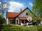 Eladó családi ház+üzlet Sándorfalván. 21.88 M Ft. - 31761