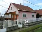 Eladó családi ház Váchartyánban. 14.45 M Ft. - 33061
