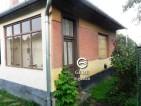 Eladó családi ház Vámosmikolán. 4.49 M Ft. - 33121