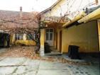 Eladó családi ház Vácon. 21.99 M Ft. - 32761