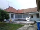 Eladó családi ház Vácrátót központi részén. 12.9 M Ft. - 33097