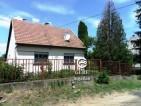 Eladó családi ház Váchartyánban. 9.8 M Ft. - 33041