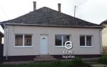 Eladó felújított családi ház Romhány központi részén.  7.5 M Ft. - 35126