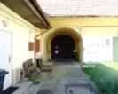 Eladó felújításra szoruló családi házrész Vácon. 4.2 M Ft - 38322