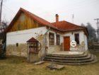 A csend, a nyugalom szigete ez a családi ház Tésa községben. 6.8 M Ft - 38466